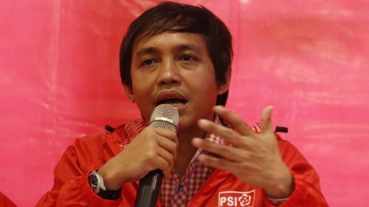Sekjen PSI, Raja Juli Antoni menanggapi laporan Fadli Zon