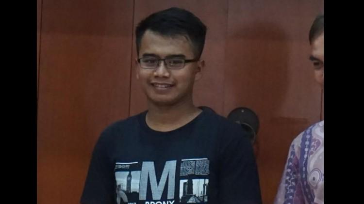 Tampang Deni Junaedi, pelempar rokok ke orang utan di Bandung