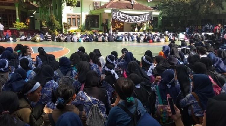 Aksi demo siswa SMAN 2 Malang