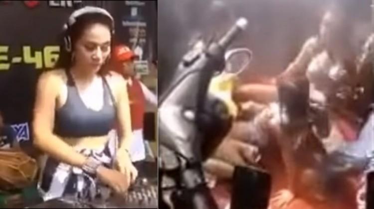 Wanita menari erotis di Jepara