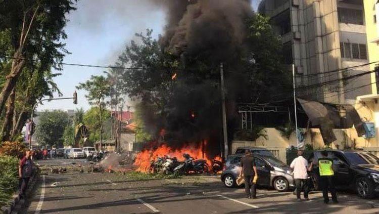Suasana gereja di Surabaya dibom